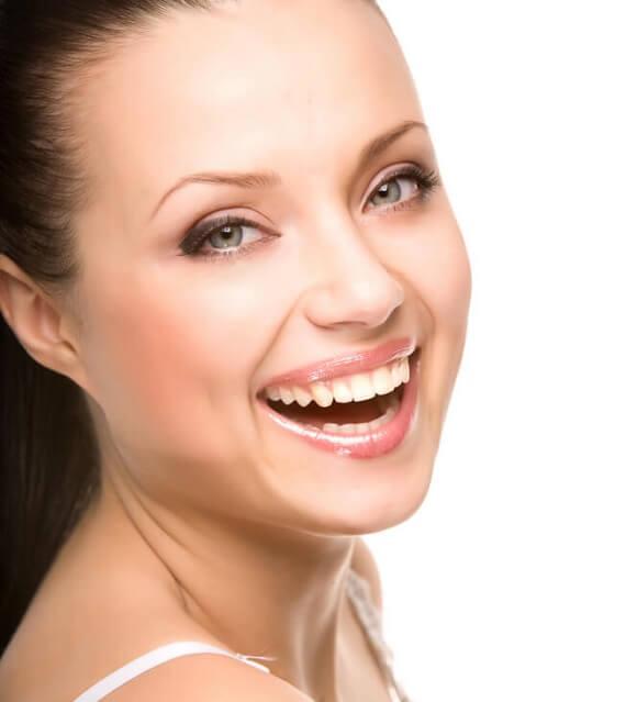 ציפויי חרסינה לשיניים למינייט